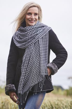 Cashmere Houndstooth Stole
