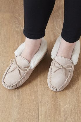 Ladies Sheepskin Moccasins
