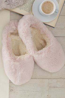 Faux Fur Slippers in Pink